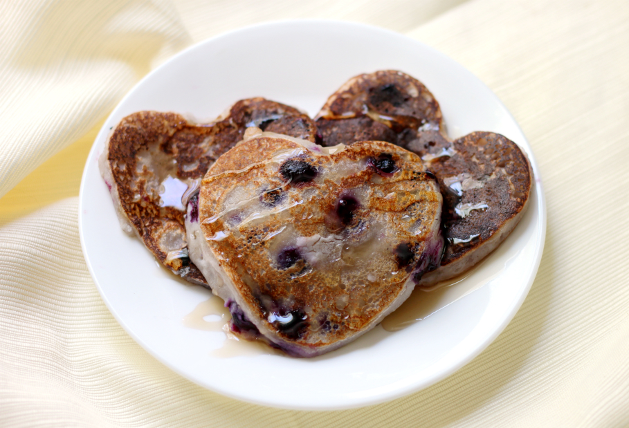 Blueberry Heartcakes | Strength and Sunshine @RebeccaGF666 Turn your pancakes into an even more loving gesture with some gluten-free vegan Blueberry Heartcakes! A wonderful healthy breakfast recipe that will make your heart happy and healthy too!