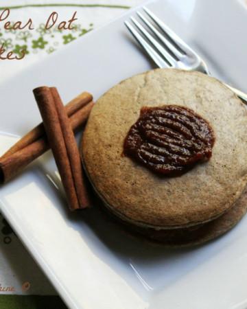 Cinnamon Pear Oat Pancakes   Strength and Sunshine @RebeccaGF666 #breakfast #pancakes #glutenfree #vegan #pears