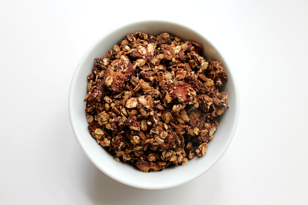 Strawberry Mocha Granola   Strength and Sunshine @RebeccaGF666 #granola #breakfast #strawberry #mocha #glutenfree #vegan #snack