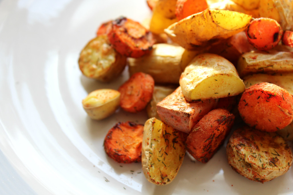 Dill Roasted Fingerling Potatoes and Carrots | Strength and Sunshine @RebeccaGF666