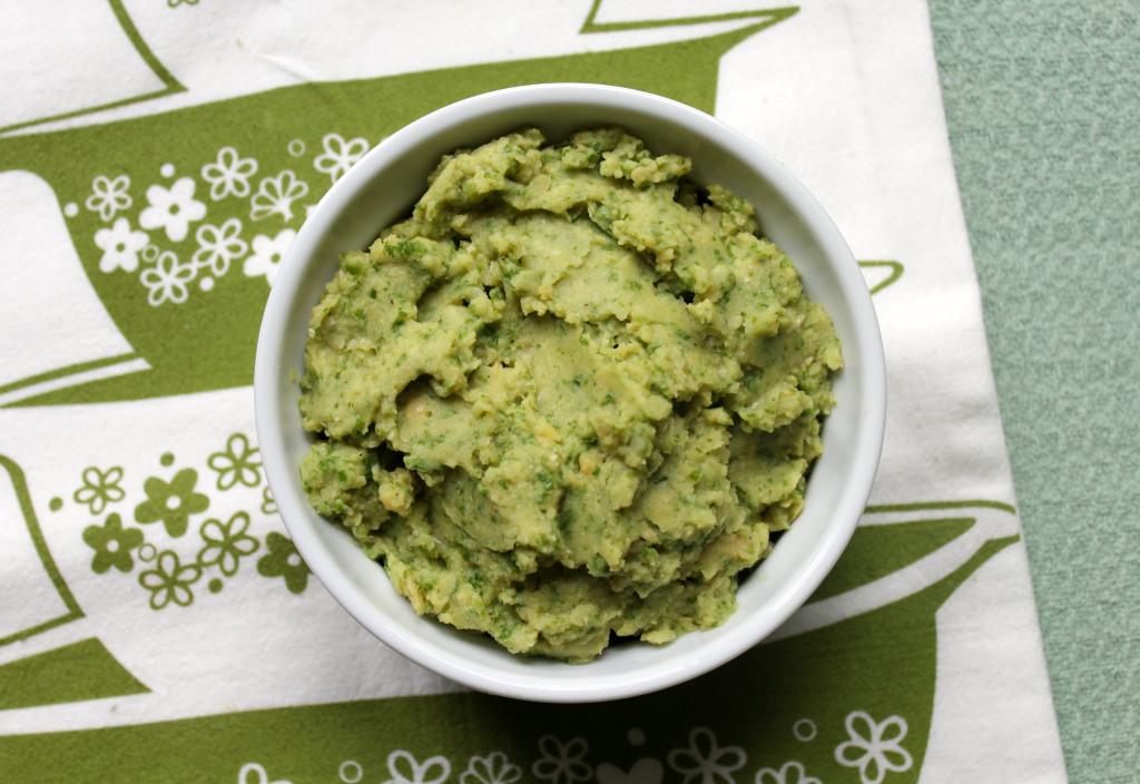 Garlic Kale Hummus | Strength and Sunshine @RebeccaGF666 #hummus #glutenfree #vegan #fatfree #dip