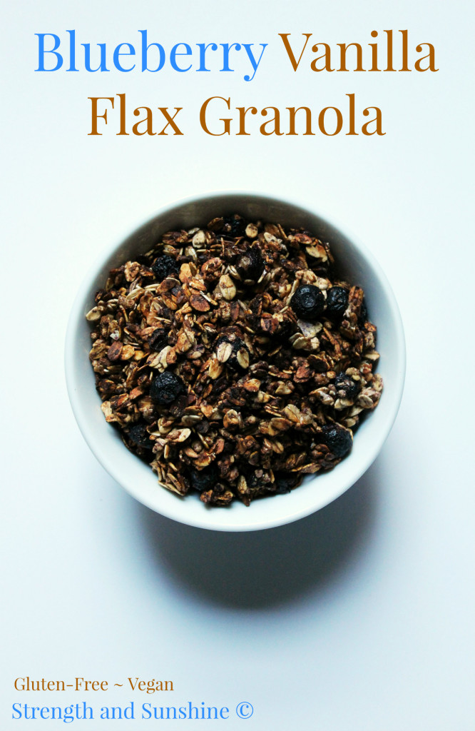 Blueberry Vanilla Flax Granola | Strength and Sunshine @RebeccaGF666 #granola #breakfast #glutenfree #vegan #blueberry #healthy #vanilla #flaxseed #snacks