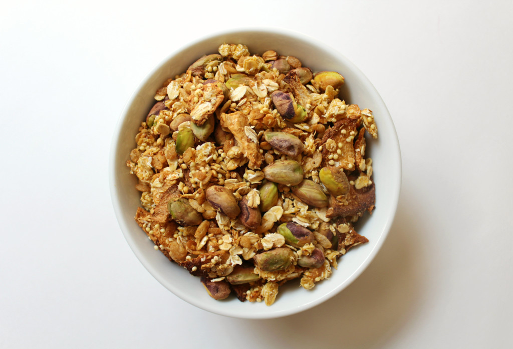 Cantaloupe Pistachio Granola | Strength and Sunshine @RebeccaGF666 #granola #glutenfree #vegan #soyfree #sugarfree #breakfast #snacks
