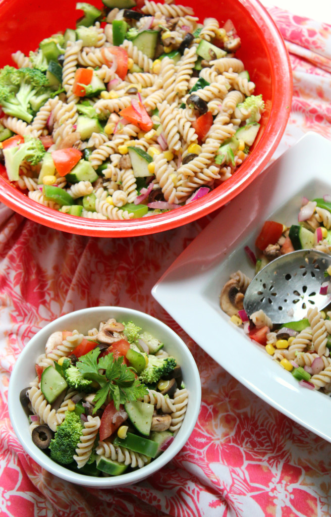Summer Veggie Pasta Salad | Strength and Sunshine @RebeccaGF666 Summer isn't complete without the pasta salad! This gluten-free, allergy-friendly, vegan pasta salad is packed with bright summer veggies and tossed with a zesty Italian oil-free dressing. A classic made healthy and safe for everyone to enjoy at any summer cook-out!