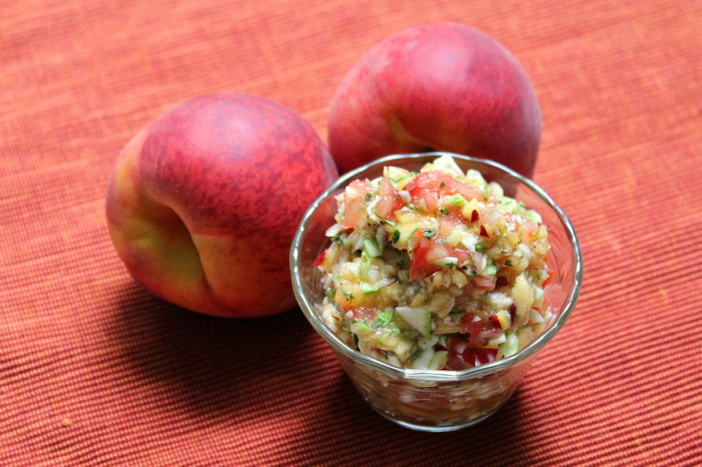Peach Zucchini Salsa | Strength and Sunshine @RebeccaGF666 The perfect fresh fruit and vegetable salsa recipes. Gluten-free, vegan, paleo, and great for dipping, topping, and snacking!