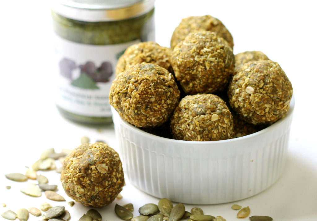 Pumpkin Pie Snack Bites | Strength and Sunshine @RebeccaGF666 Have your pumpkin pie all in one bite. Pumpkin seeds, butter, puree and spice along with whole grain oats, combine to create a healthy allergy-free, gluten-free, and vegan snack bite! Enjoy the flavor of Fall with no baking required!