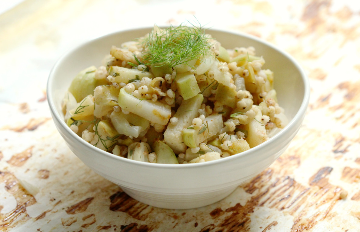 Warm Sorghum Salad with Roasted Kohlrabi, Apple, & Fennel | Strength and Sunshine @RebeccaGF666 A warm sorghum salad paired with roasted kohlrabi, ginger gold apple, and fennel. This gluten-free vegan recipe is slightly sweet, comforting, and nourishing for the cold months ahead. A perfect healthy whole grain side dish.