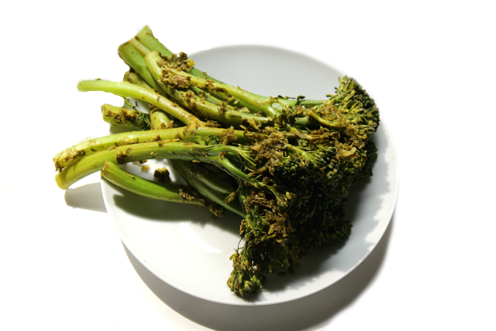 Roasted Broccolini with Lemon & Garlic Herb Sauce | Strength and Sunshine @RebeccaGF666 A simply refreshing way to bring some flavor to roasted broccolini. An easy and delicious vegetable side dish, to complement any meal, with loads of fresh herbs, lemon, and garlic. Gluten-free, vegan, paleo, dairy-free, and healthy..