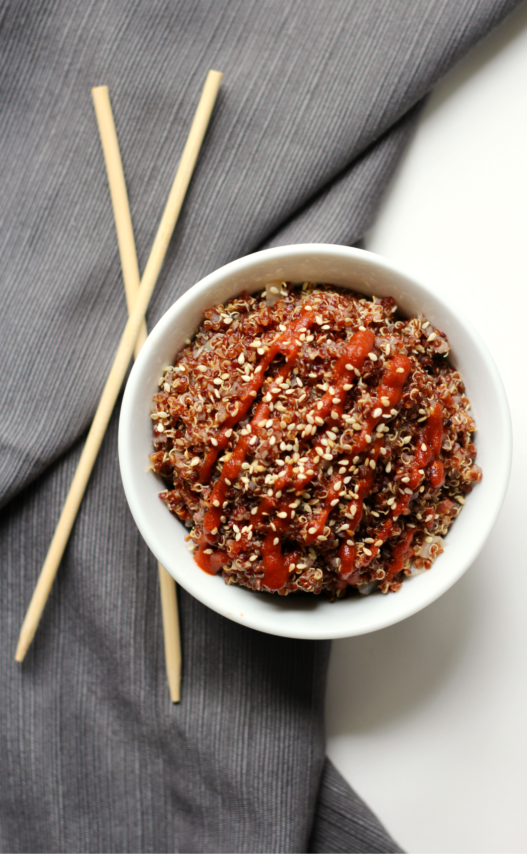 Spicy Red Sriracha Quinoa | Strength and Sunshine @RebeccaGF666 It's gettin' hot in here! Fiery and hot, spicy red sriracha quinoa is not for the faint of heart! The perfect taste bud poppin' Asian side dish recipe to please all of your spicy loving gluten-free and vegan friends!