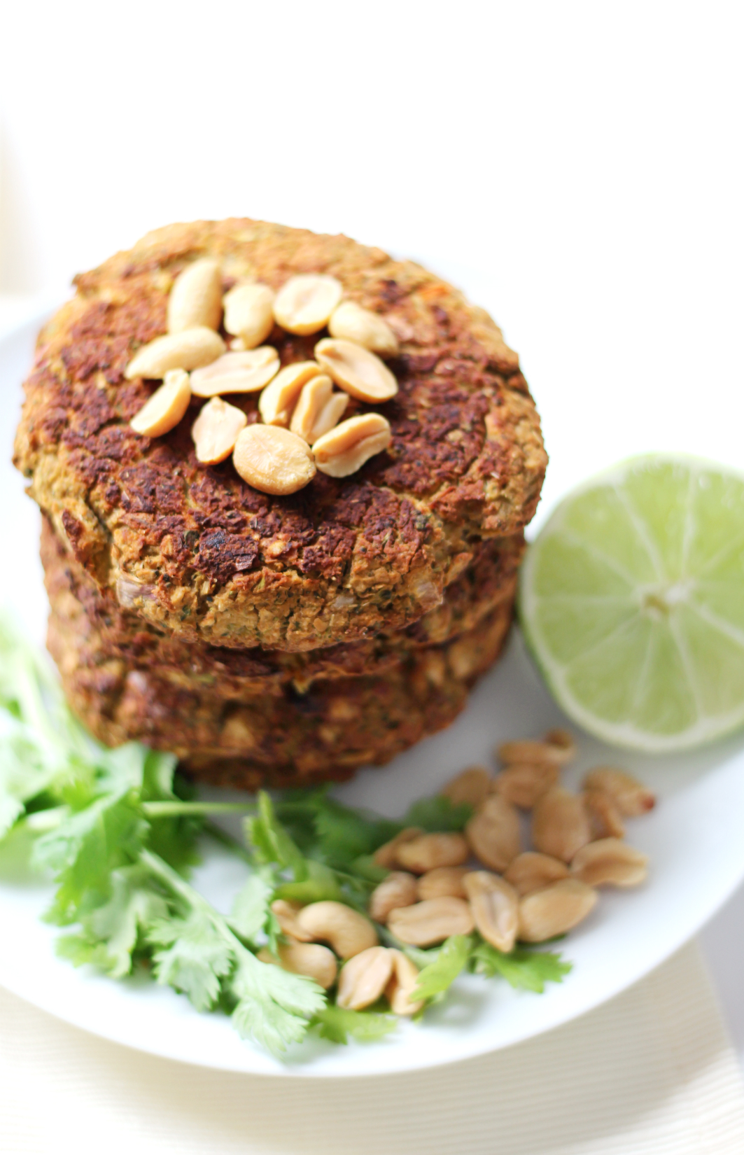 Pad Thai Broccoli Burgers | Strength and Sunshine @RebeccaGF666 The flavors of Pad Thai packed into the ultimate bean and broccoli burger! Gluten-free, vegan, Pad Thai Broccoli Burgers are a perfect dinner recipe to satisfy even your carnivorous friends!