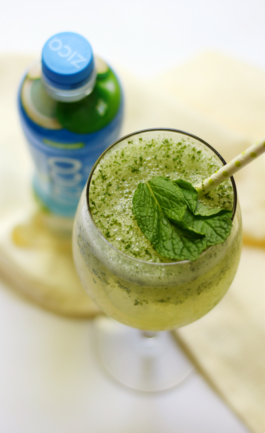 Frosty Coconut Mint Green Tea Mocktail | Strength and Sunshine @RebeccaGF666 Need a little refreshment? A Frosty Coconut Mint Green Tea Mocktail will have you feeling hydrated, healthy, and luxurious! Just 3 simple ingredients are you will be sipping all day long! Gluten-free, vegan, and paleo. A summer drink for all ages! sponsored