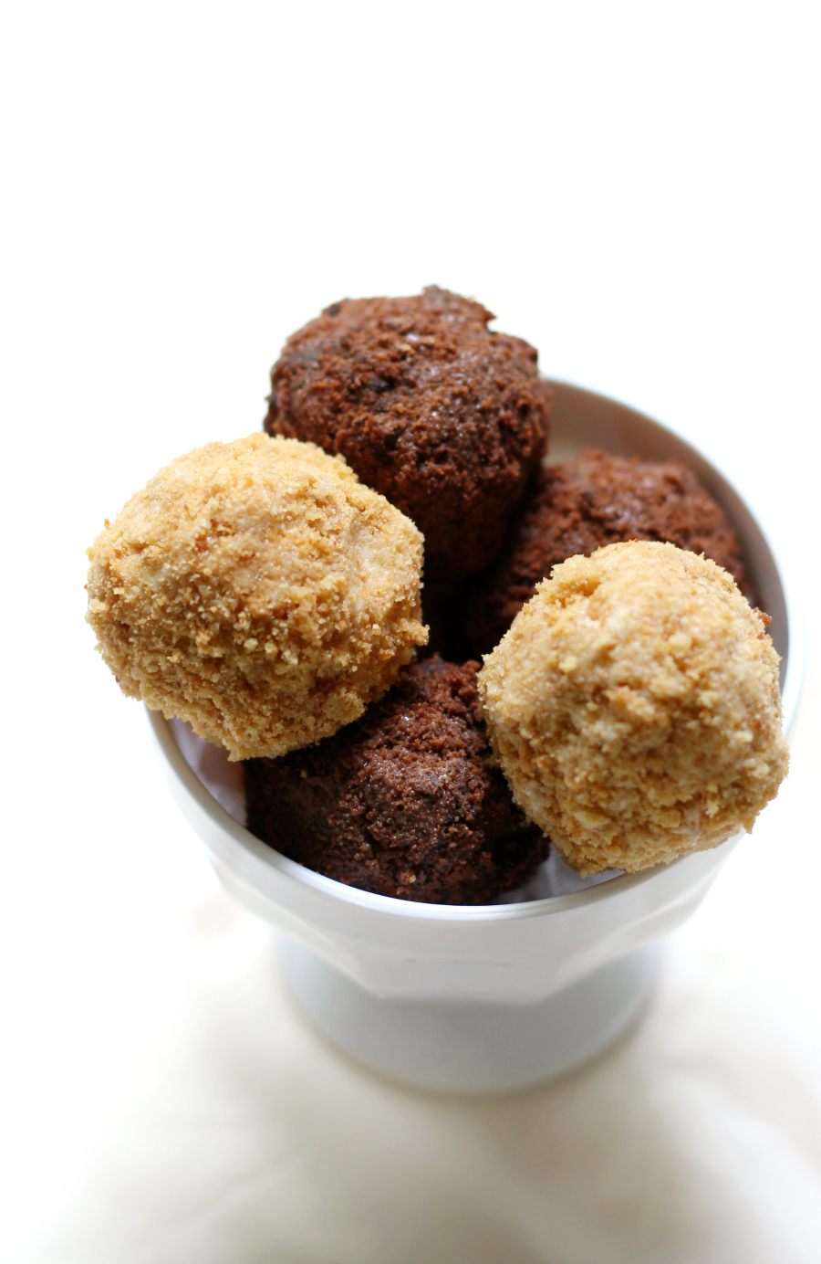 "Vegan ""Fried"" Ice Cream Bombs 