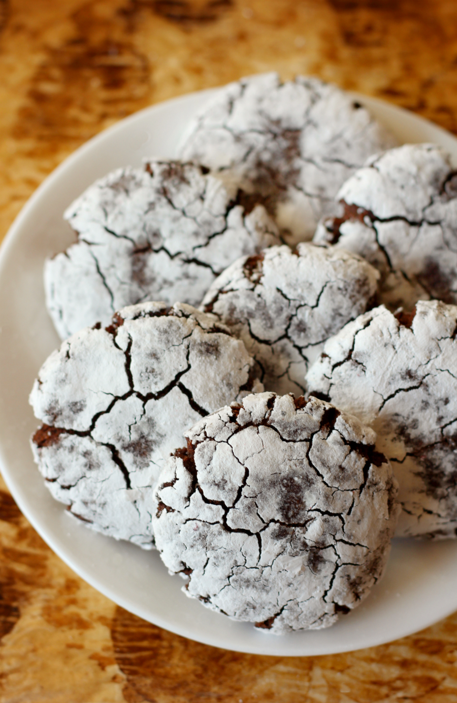 Chocolate Peppermint Crinkle Cookies | Strength and Sunshine @RebeccaGF666 A minty twist on the holiday crinkle cookie! Christmas won't be the same with these Chocolate Peppermint Crinkle Cookies! Gluten-free, vegan, and allergy-free, a perfect dessert recipe for kids, adults, and Santa too!
