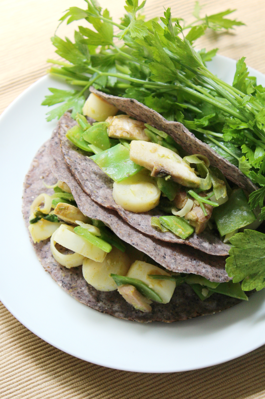 Thai Green Curry Tacos | Strength and Sunshine @RebeccaGF666 A new twist on tacos! Thai Green Curry Tacos are a fabulous Asian/Mexican fusion recipe to try. Gluten-free, vegan, and allergy-friendly, these tacos will make for a delicious and healthy dinner or lunch!
