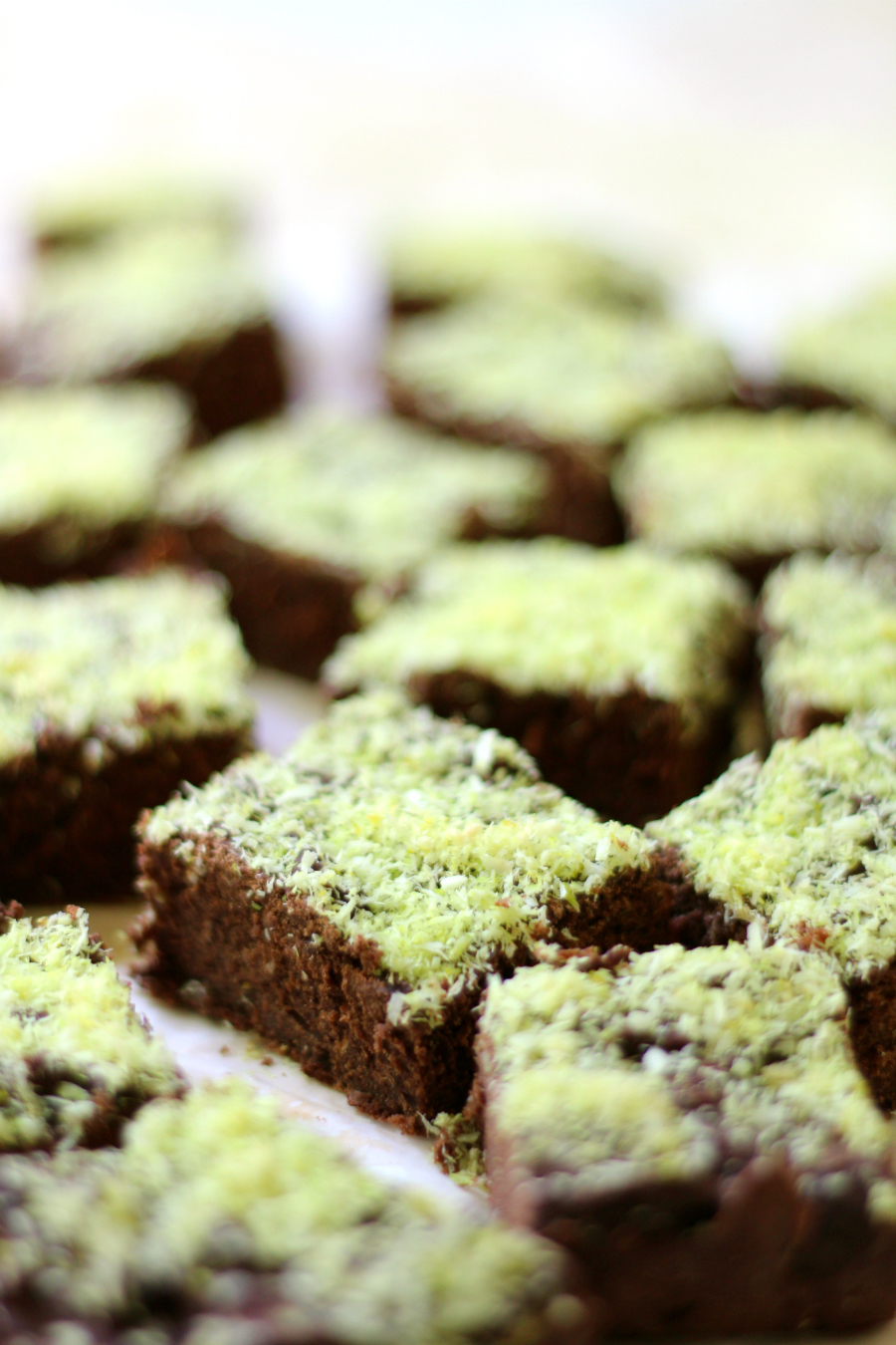 Mini Mint Chocolate Brownies (Gluten-Free, Vegan, Allergy-Free) | Strength and Sunshine @RebeccaGF666 Mini Mint Chocolate Brownies for when you need a little bite of something sweet and refreshing! This little dessert recipe is gluten-free, vegan, and allergy-free! Naturally sweetened for a healthy chocolate fix!
