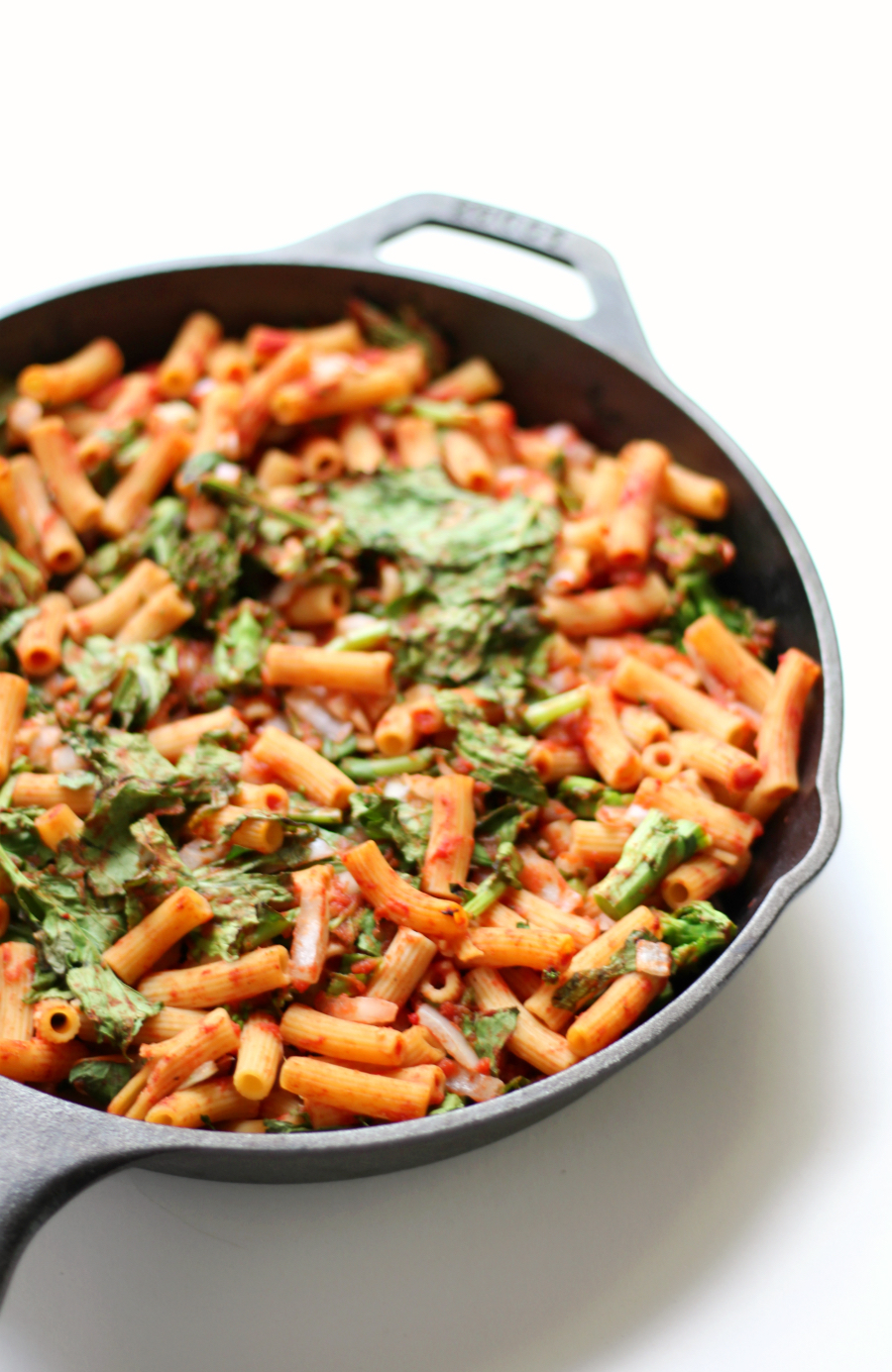 Sweet Tomato & Broccoli Rabe Baked Penne (Gluten-Free, Vegan, Allergy-Free) | Strength and Sunshine @RebeccaGF666 A delicious weeknight pasta dinner recipe the whole family will love! Sweet Tomato & Broccoli Rabe Baked Penne that's gluten-free, vegan, and allergy-free. Packed with flavor and nutritious veggies, this healthy meal will be an easy new favorite!