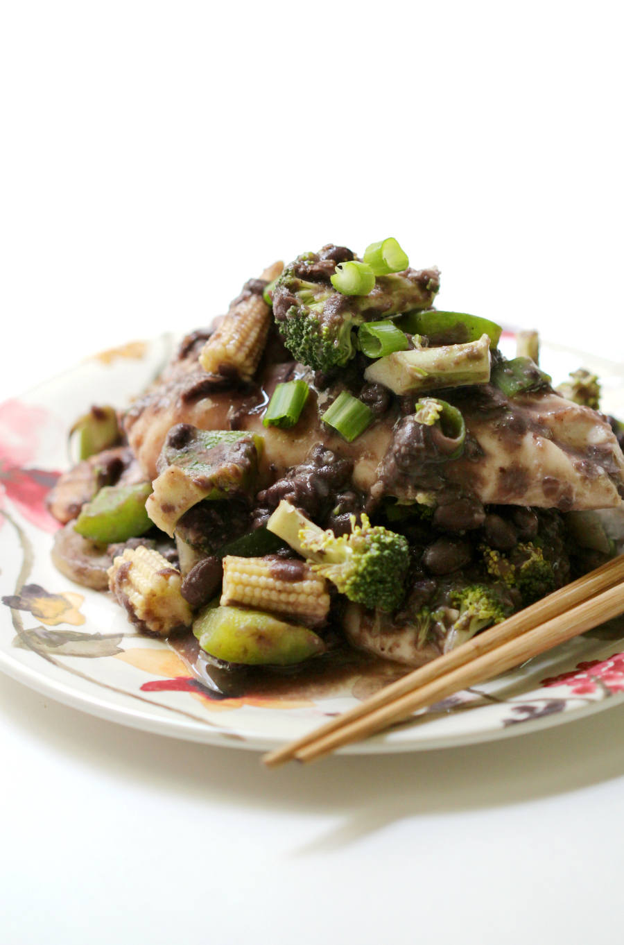 Black Bean Chicken & Vegetables (Gluten-Free, Allergy-Free) | Strength and Sunshine @RebeccaGF666 A healthy & easy recipe for Black Bean Chicken & Vegetables that's gluten-free and allergy-free. A homemade black bean sauce, Asian vegetables, and chicken tenders guarantee a delicious crowd-pleasing weeknight dinner!
