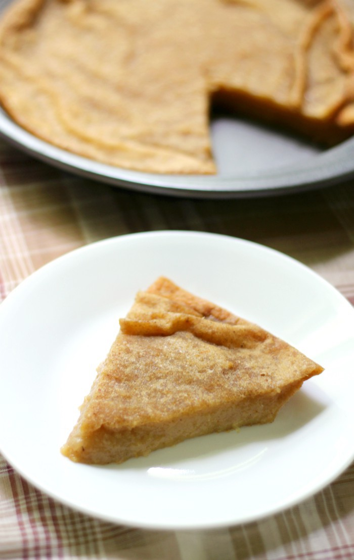 Gluten-Free Crustless Apple Pie (Vegan, Allergy-Free) | Strength and Sunshine @RebeccaGF666 Everything an apple pie should be, but better and easier! A Gluten-Free Crustless Apple Pie that's vegan, top-8 allergy-free, and naturally sweet! Even if you're not a pie-lover, this fun and healthy take on the classic dessert will be a winning recipe for the season! #glutenfree #vegan #applepie