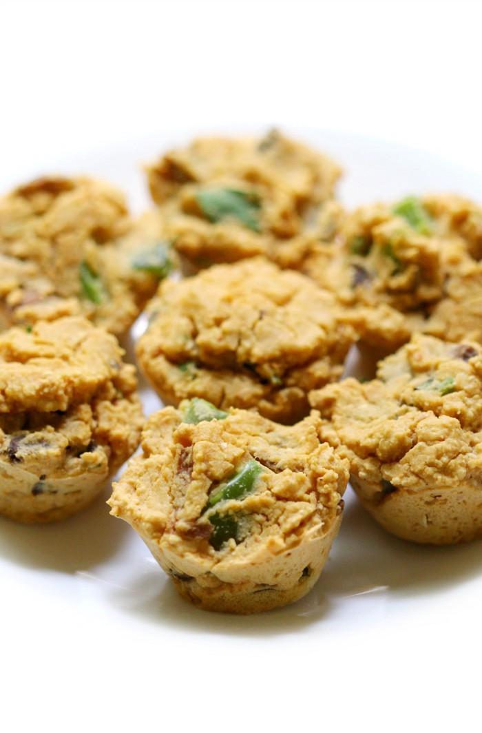 centered-close-up-vegan-frittata-bites-plate