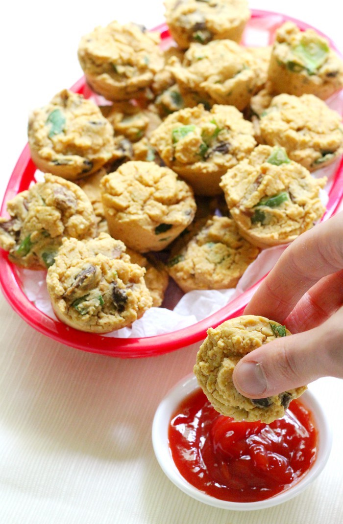 ketchup-dipping-vegan-frittata-bite-basket