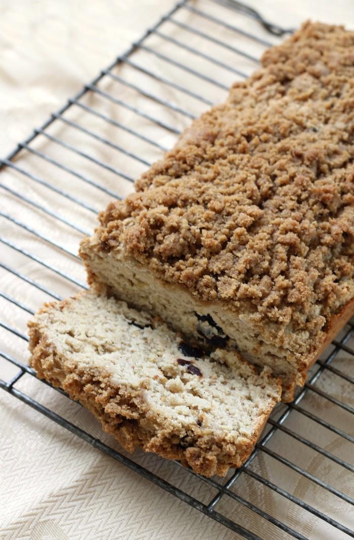 fig-bread-loaf-on-rack