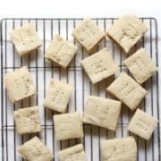 overhead-shortbread-cookies-wire-rack-pin