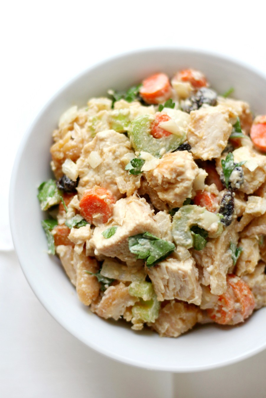 white-bowl-paleo-tahini-chicken-salad