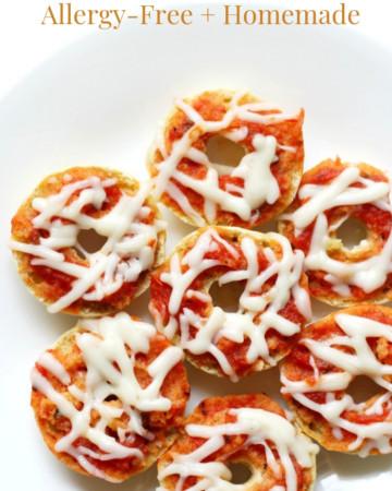 half-white-plate-gluten-free-vegan-pizza-bagel-bites-pin