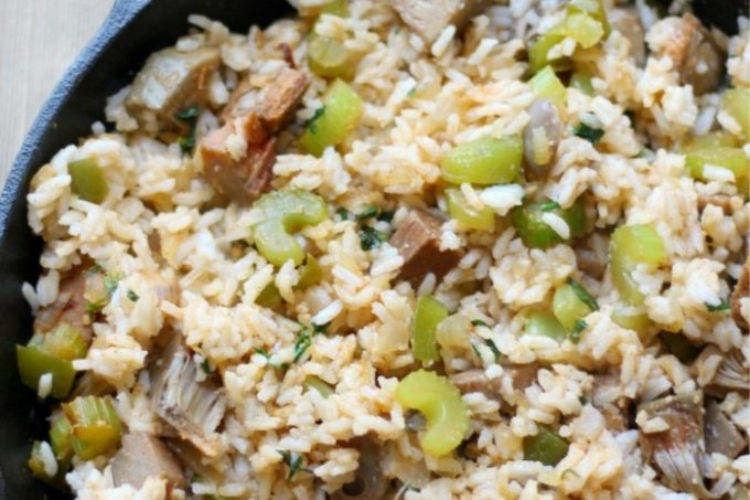 easy-vegan-dirty-rice-in-cast-iron-skillet