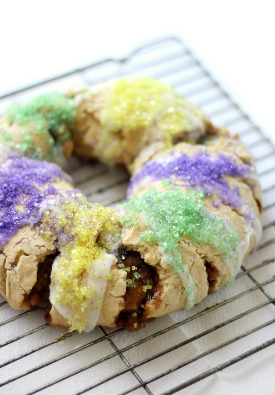side-view-gluten-free-vegan-king-cake-on-wire-rack