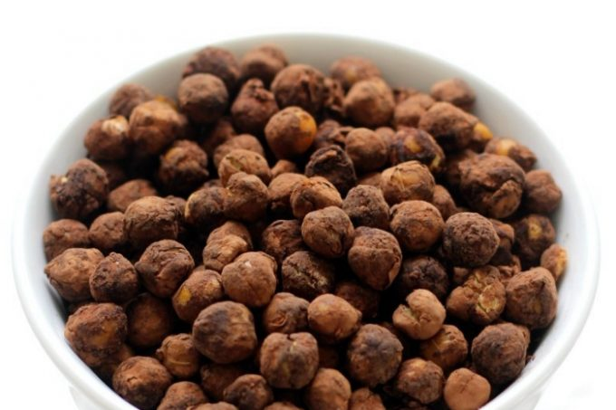 bowl-of-crispy-cocoa-chickpeas-pin