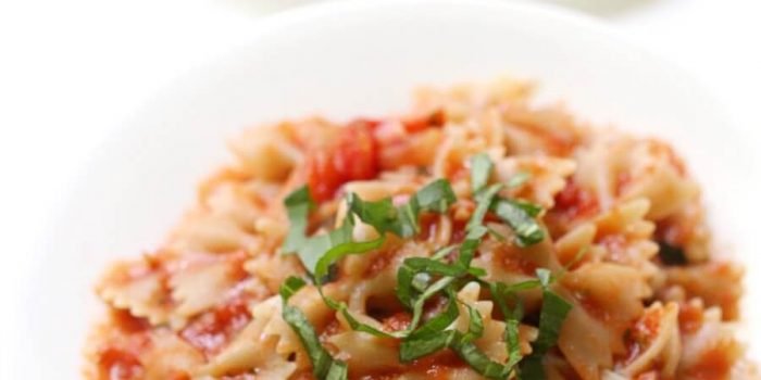 Easy Gluten-Free Farfalle (Bow-Tie) Pasta with Tomato Basil Sauce (Vegan, Allergy-Free)