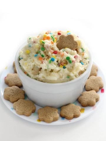 homemade dunkaroos plated with dip in center